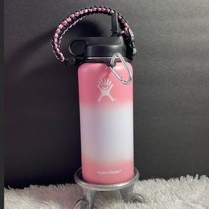 New 32 oz Hydro Flask w/paracord handle & flex lid